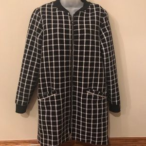Cardigan Blk and Wht, zip closure, fully lined